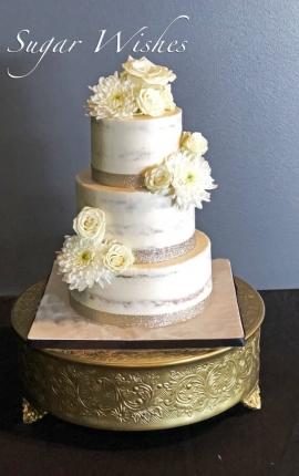 naked cake, naked wedding cake, gold shimmer, fresh flowers, white roses, buttercream cake