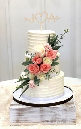 wedding cake, buttercream wedding cake, buttercream texture, buttercream ribbon, fresh rose wedding cake, pink rose wedding cake, eucalyptus