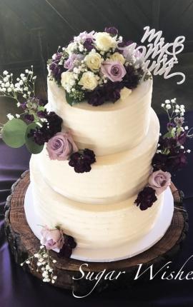 wedding cake, buttercream wedding cake, buttercream texture, fresh flowers, light purple roses, white roses